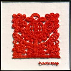 kalotaszegi embroidery (from nylonparaszt) Hungarian Embroidery, Folk Embroidery, Brazilian Embroidery, Learn Embroidery, Floral Embroidery, Shirt Embroidery, Beginner Embroidery, Chain Stitch Embroidery, Embroidery Stitches
