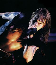 ROCKEROS: SHOWS - GUNS n' ROSES (St. Louis, 1991)