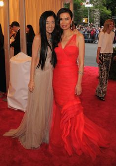 Vera Wang and Wendi Deng Murdoch at the 2012 Met Gala
