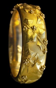 EMILE FROMENT-MEURICE 1837-1913, Belle Epoque gold Ivy Bangle. Marks… Photo Jewelry, Jewelry Art, Gold Jewelry, Jewelery, Edwardian Jewelry, Antique Jewelry, Vintage Jewelry, Edwardian Era, Bijoux Art Nouveau