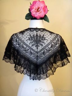 antique-french-black-chantilly-lace-capelet-02