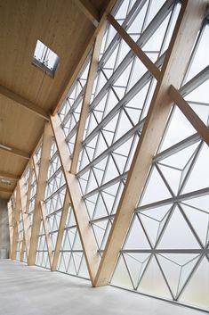 Comte & Vollenweider, hangar 16 en Cannes Mandelieu, Niza - Arquitectura Viva · Revistas de Arquitectura