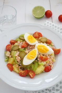 Frisse aardappelsalade met zalm en ei - Mind Your Feed