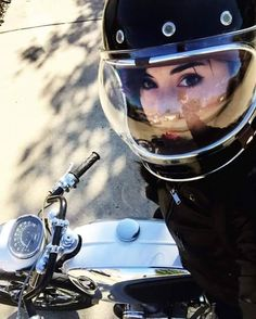«old school garage Cafe Racer Style, Cafe Racer Girl, Lady Biker, Biker Girl, Womens Motorcycle Helmets, Motorcycle Girls, Brat Bike, Chicks On Bikes, Biker Chick