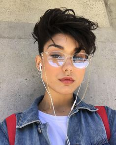 girl girl short hair Free idea in 2020 Girls Short Haircuts, Short Girls, Tomboy Hairstyles, Cool Hairstyles, Curly Pixie Hairstyles, Girl Short Hair, Short Hair Cuts, Hair Reference, Cut My Hair
