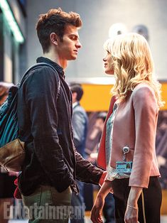 Peter Parker (Andrew Garfield) and Gwen Stacy (Emma Stone) - The Amazing Spider-Man, Andrew Garfield