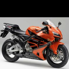 Honda CBR. This looks fimiliar... oh wait, I've ridden on it!! hah