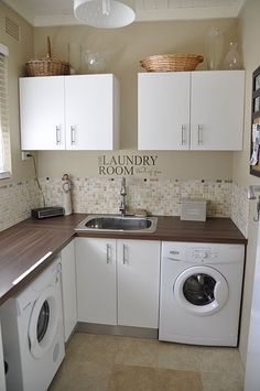 What an awesome laundry room!