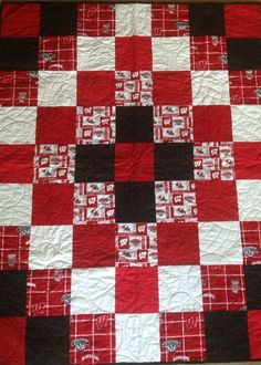 Wisconsin Badgers quilt. Homemade quilt. Sports. Car quilt. by sewmanyhands on Etsy