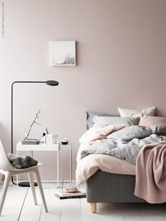 Shabby Chic Bedroom Styling Inspiration from These 12 Beautiful Bedrooms with a Relaxed Scandi Vibe Bedroom Decor On A Budget, Romantic Bedroom Decor, Scandi Bedroom, Ikea Bedroom, Cozy Bedroom, Luxury Bedroom Furniture, Interior Design Living Room, Ikea Interior, Luxury Bedding