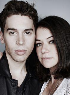 Tatiana Maslany and Jordan Gavaris