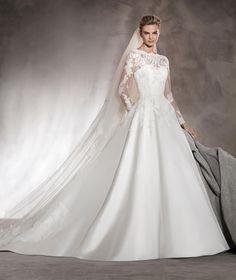ALHAMBRA - Vestido de novia en mikado, encaje, escote barco y pedrería | Pronovias