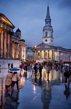 St Martins In The Fields, Trafalgar Square, London, UK - da Ian A Robertson Trafalgar Square, Beautiful Castles, Beautiful Places, Places To Travel, Places To Visit, London Dreams, Homes England, National Gallery, London Today