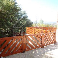 Valla en diagonal Outdoor Furniture, Outdoor Decor, Garden Bridge, Exterior, Outdoor Structures, Home Decor, Campinas, Verandas, Wooden Fences