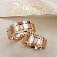 Beautiful Rose Gold bands by Which i e would you wear? Diamond Rings, Diamond Jewelry, Jewelry Rings, Jewelery, Gold Rings, Jewellery Earrings, Stone Jewelry, Gold Jewelry, Engagement Rings Couple