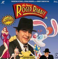 """Il fenomeno cinematografico del 1988 è """"Chi ha incastrato Roger Rabbit"""", in cui per la prima volta interagiscono attori in carne ed ossa con cartoni animati: per gli standard dell'epoca, un vero miracolo tecnologico."""