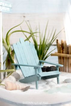 DIY mini Adirondack chairs that are perfect for a beach-themed fairy garden. Popsicle Stick Crafts For Adults, Popsicle Crafts, Popsicle Sticks, Craft Stick Crafts, Resin Crafts, Pool Garden, Beach Fairy Garden, Beach Furniture, Furniture Movers