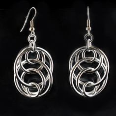 Free pattern download for these Illusion Loop Earrings - lovely!