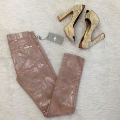 """LISTING 7 For All Mankind Skinny Jeans These 7 jeans are the cutes! Patent finish reptile print skinny jeans in a metallic mauve color. Pair with a simple top and great heals for a perfect finish. New with tags. Measures a 28"""" inseam.            2916 7 for all Mankind Jeans Ankle & Cropped"""