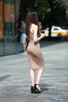 Best Weight Loss Tips in Just 14 Days If You want to loss your weight then make a look in myarticle. Sexy Asian Girls, Beautiful Asian Girls, Street Girl, Street Style, Indian Beauty Saree, Tight Dresses, Beautiful Celebrities, Fashion Outfits, Womens Fashion