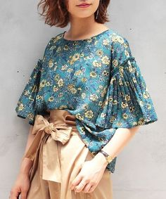 Best Vintage Outfits Part 10 Diy Fashion, Love Fashion, Ideias Fashion, Fashion Dresses, Womens Fashion, Fashion Design, Blouse Styles, Blouse Designs, Sleeves Designs For Dresses