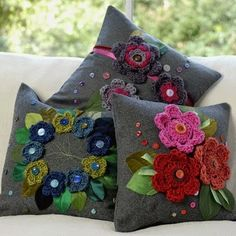 fun rich coloured cushions with crochet flower applique by Rosella Enif Crochet Home, Love Crochet, Crochet Flowers, Hand Crochet, Crochet Motifs, Crochet Projects, Sewing Projects, Cute Blankets, Rugs