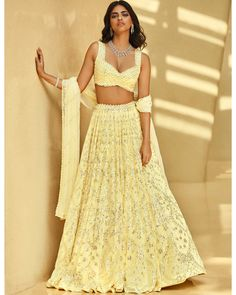 Crop Top Designs, Tunic Designs, Indian Designer Suits, Designer Wear, Indian Attire, Indian Wear, Yellow Lehenga, Indian Wedding Outfits, Indian Couture