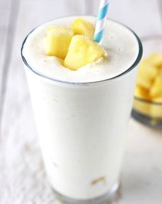 Delicious Creamy Pineapple Drink  Ingredients: 2 cups chopped pineapple, 1/2 cup cottage cheese, 1/4 cup milk, 2 teaspoons honey, 1/4 teaspoon vanilla, a pinch each of nutmeg and salt, and 2 cups ice. Blend and you're ready to go! #CreamyPineapple #Smoothie #Yum