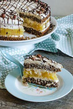 Apple-nut cake gluten-free and cherry crumble Apfel-Nuss-Torte glutenfrei und Kirsch Streuselkuchen Apple and nut cake (gluten-free) and cherry crumble cake - Paleo Dessert, Healthy Dessert Recipes, Easy Desserts, Gluten Free Cakes, Gluten Free Desserts, Easy Cookie Recipes, Cake Recipes, Rocher Torte, Cake Mix Muffins