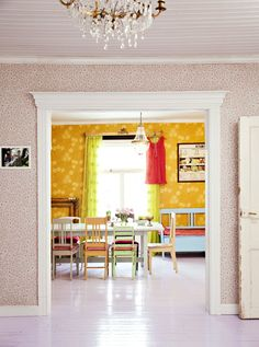 House in Finland built 1850 Ideal Home, Dining Room Colors, House Colors, Home Furniture, House Interior, Home, Interior, Vintage House, Home Decor Furniture