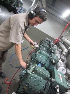 Manutenção Corretiva e Preventiva em Racks de Refrigeração.
