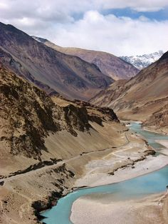 The best hues of brown and blue can be found in Ladakh! Places To Travel, Places To See, Travel Destinations, Ladakh India, Leh Ladakh, India India, Places Around The World, Around The Worlds, Beautiful World