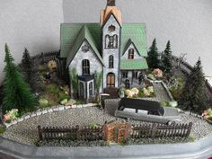 Made-to-order Haunted Dollhouse Property 1:144 Scale
