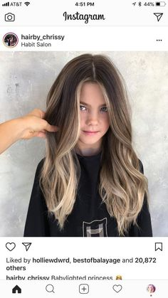 Lovely balayage for November - LadyStyle : Lovely balayage for November - LadyStyle Hair Color Balayage, Hair Highlights, Ombre Hair, Highlights Around Face, Face Frame Highlights, Dark Brown To Blonde Balayage, Ombre Bayalage, Brown Hair With Blonde Balayage, Purple Hair Streaks