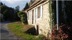 francia kőházak (lakások, otthonok 11) Pergola, Arch, Sidewalk, Outdoor Structures, Garden, Modern, Longbow, Garten, Trendy Tree