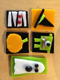 Adorable fused glass Halloween jewelry! #fusedglass #glassart #jewelry #halloweenart #theartgarage