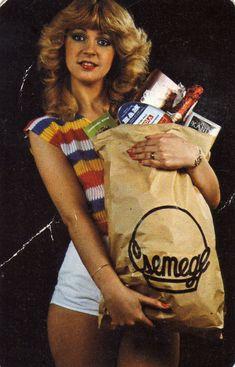 CSEMEGE (30 év) - 1983 Mona Lisa Images, 80s Fashion, Vintage Fashion, Pin Up, Religious Images, Beautiful Fantasy Art, Illustrations And Posters, Live Action, Vintage Ads