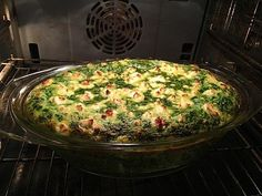 Salmon and feta and spinach bake - Lachs Rezepte Spinach Bake, Spinach Casserole, Feta, Diy Food, Quiche, Salmon, Low Carb, Healthy Eating, Healthy Recipes
