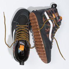 Vans Shoes Fashion, Mens Vans Shoes, Mens Boots Fashion, Skate Shoes, Nike Fashion, Kicks Shoes, New Shoes, Men's Shoes, Shoe Boots