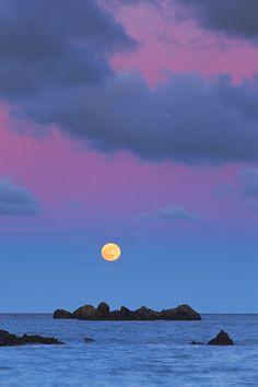 Moonrise, Porthoustock, England