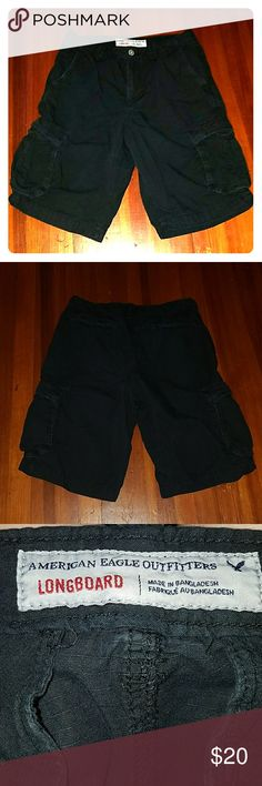 *SALE* Men's American Eagle Longboard Cargo Shorts Men's black American Eagle longboard cargo shorts. Very good used condition. Size 32. Smoke free home American Eagle Outfitters Shorts Cargo
