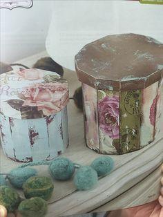 Decoupage Box, Decoupage Vintage, Inspiration Artistique, Hat Boxes, Pretty Box, Craft Bags, Vintage Wood, Rustic Decor, Recycling