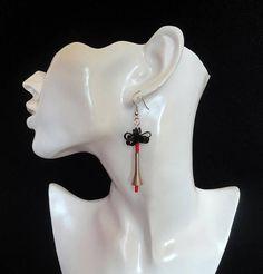 Rood zwarte oorbellen / Speciale oorbellen / Sierlijke