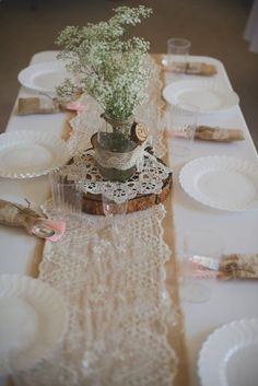 Burlap Table Decorations for Rustic Wedding - Wedding tables - tischdekoration hochzeit Burlap Table Decorations, Vintage Decorations, Lace Runner, Burlap Lace Table Runner, Rustic Table Runners, Burlap Bunting, Burlap Table Runners, Wood Table, Montana Wedding