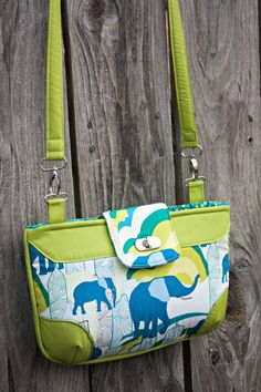 Quality Sewing Tutorials: Brookfield Bag sewing pattern freebie from Sew Sweetness