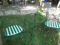 Conjunto Folhinha Para Varanda Anos 50-60(2 Cadeiras E Mesa) - R$ 700,00 no MercadoLivre