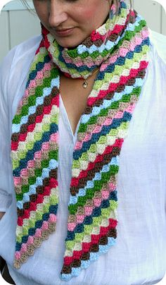 Nice scarf made with the diagonal stitch