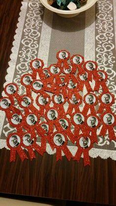 Atatürk rozeti Erdem, Diy And Crafts, Christmas Tree, Holiday Decor, Teal Christmas Tree, Xmas Trees, Christmas Trees, Xmas Tree