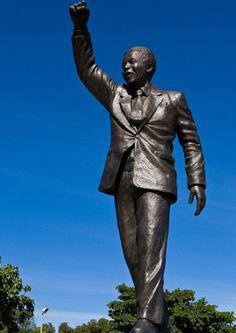 Famous Nelson Mandela monuments