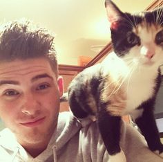 We love Cody and his cat! | Pretty Little Liars